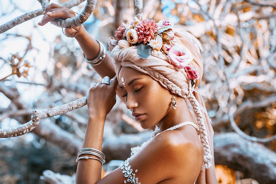beautiful young stylish woman wearing fl