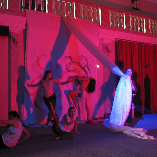 Gennadiy Ostrenko's Stage Design for Performance | Ukraine