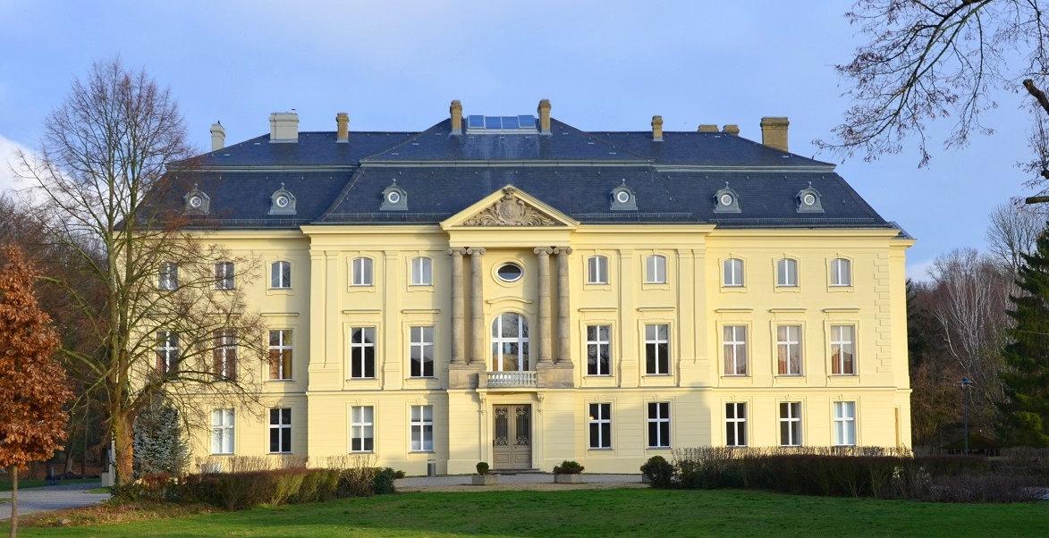 Schloss-Herbst_low.res-Kopie.jpg