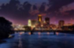Des Moines nigh skyline
