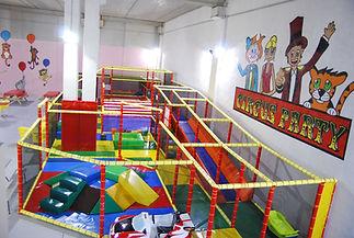 aire de jeu loisir parc enfant bébé cote azur french riviera mougins cannes circus party