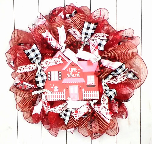 Love Shack Valentines Day Wreath