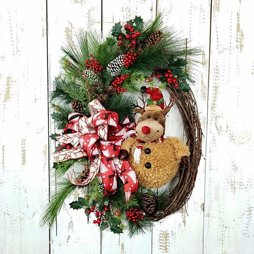 Reindeer Pine Oval Wreath