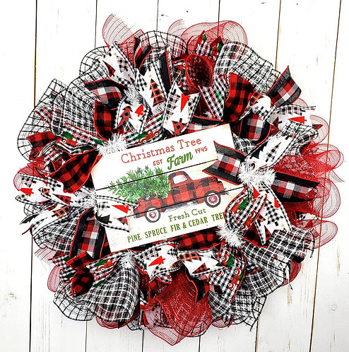 Fresh Cut Mesh Wreath
