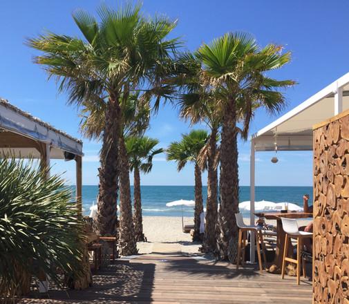restaurant-le-seven-plage-saintes-maries