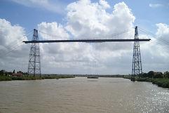 pont transbordeur et la nacelle au milieu de la charente