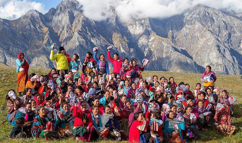 Nepal-girls-with-kits_Dan-Lin_2018web.jp