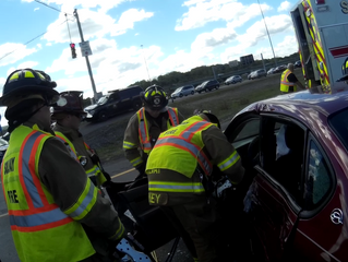 2 Extricated on I-690 | Geddes