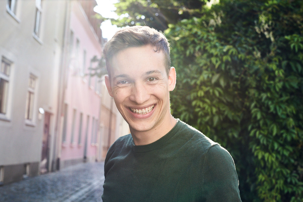 Actor: Julian Pichler Agency: Bizzybody