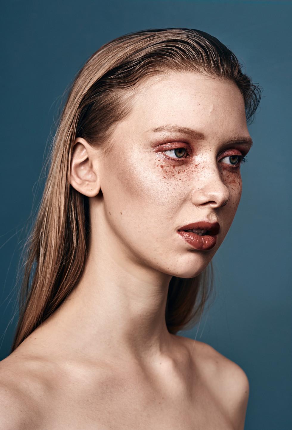 H&M: Agnes H. AV Make-Up Artist Model: Vanessa