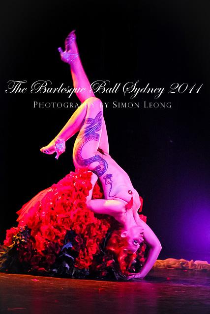 20111028_9268-Burlesque-Ball-2011_Melody-Mangler-(Vancouver)_retouch
