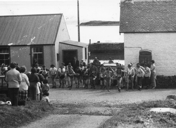 Start of 1973 Bens of Jura Fell Race.jpg