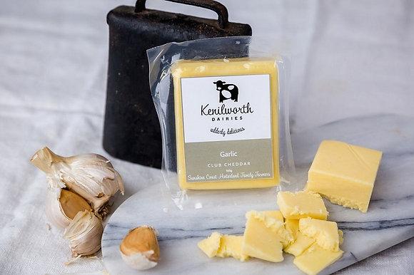 Kenilworth Garlic Club Cheddar 2.4KG RW (8)