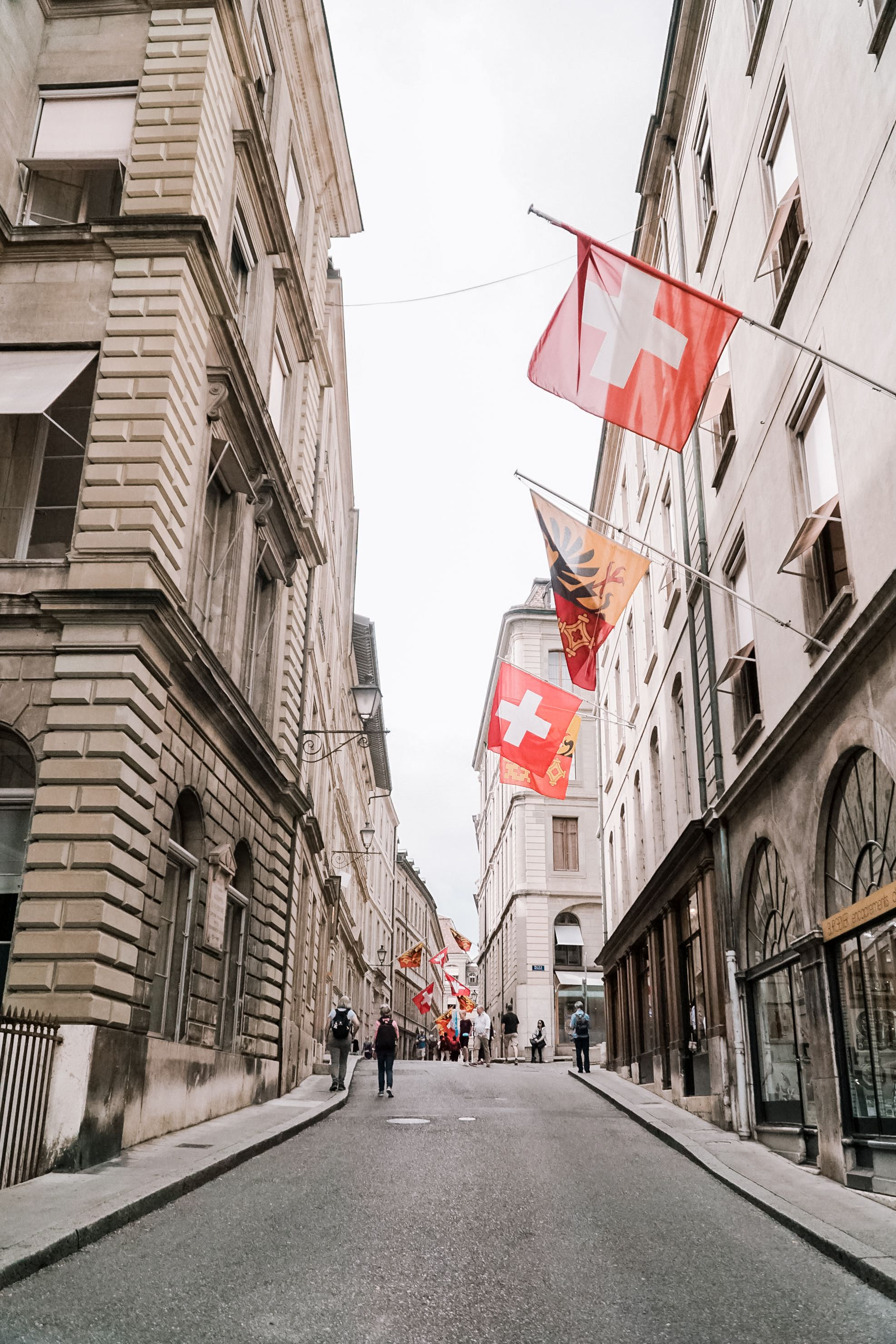 A QUICK CITY GUIDE TO GENEVA, SWITZERLAN