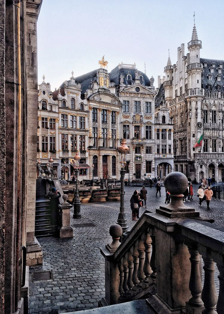 Exploring The Streets of Brussels and Br