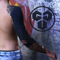 Фото перекрытия татуировки, блэкворк рук