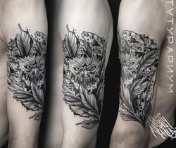 Фото татуировки, демон на мужском плече,