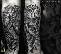 Фото татуировки, рыцарь в доспехах с чер