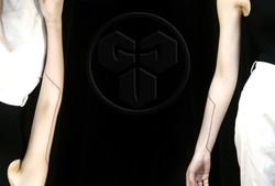 Фото татуировки, черная полоска на руке