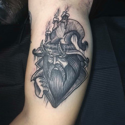 Фото татуировки, дед колдум на предплечи
