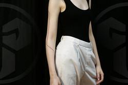 Фото татуировки, полоса на руке у девушк