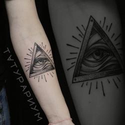 Фото татуировки, всевидяшее око ра у дев