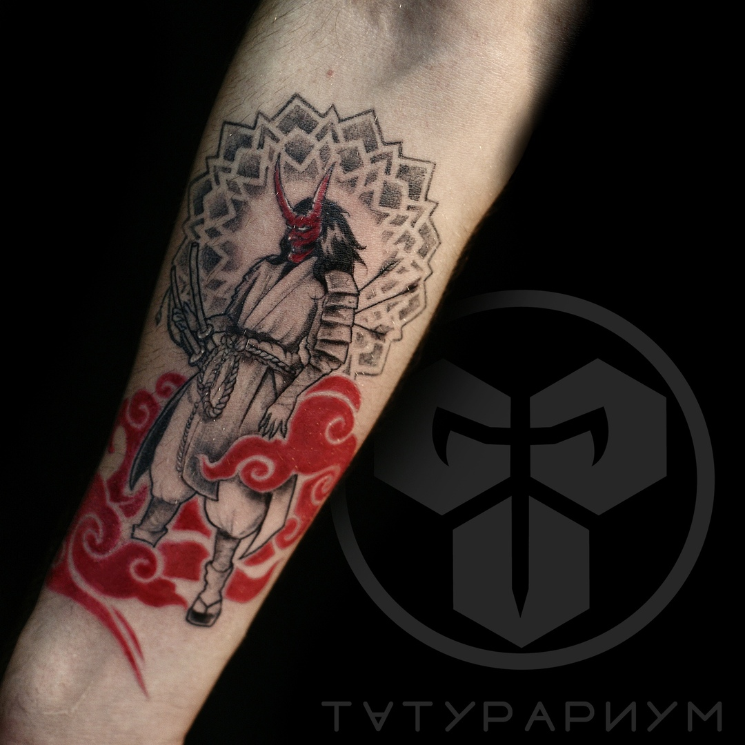 Фото татуировки, самурай на предплеции у