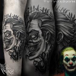 Фото татуировки, джокер на голени, тату-