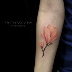 Фото татуировки, реалистичный цветок на
