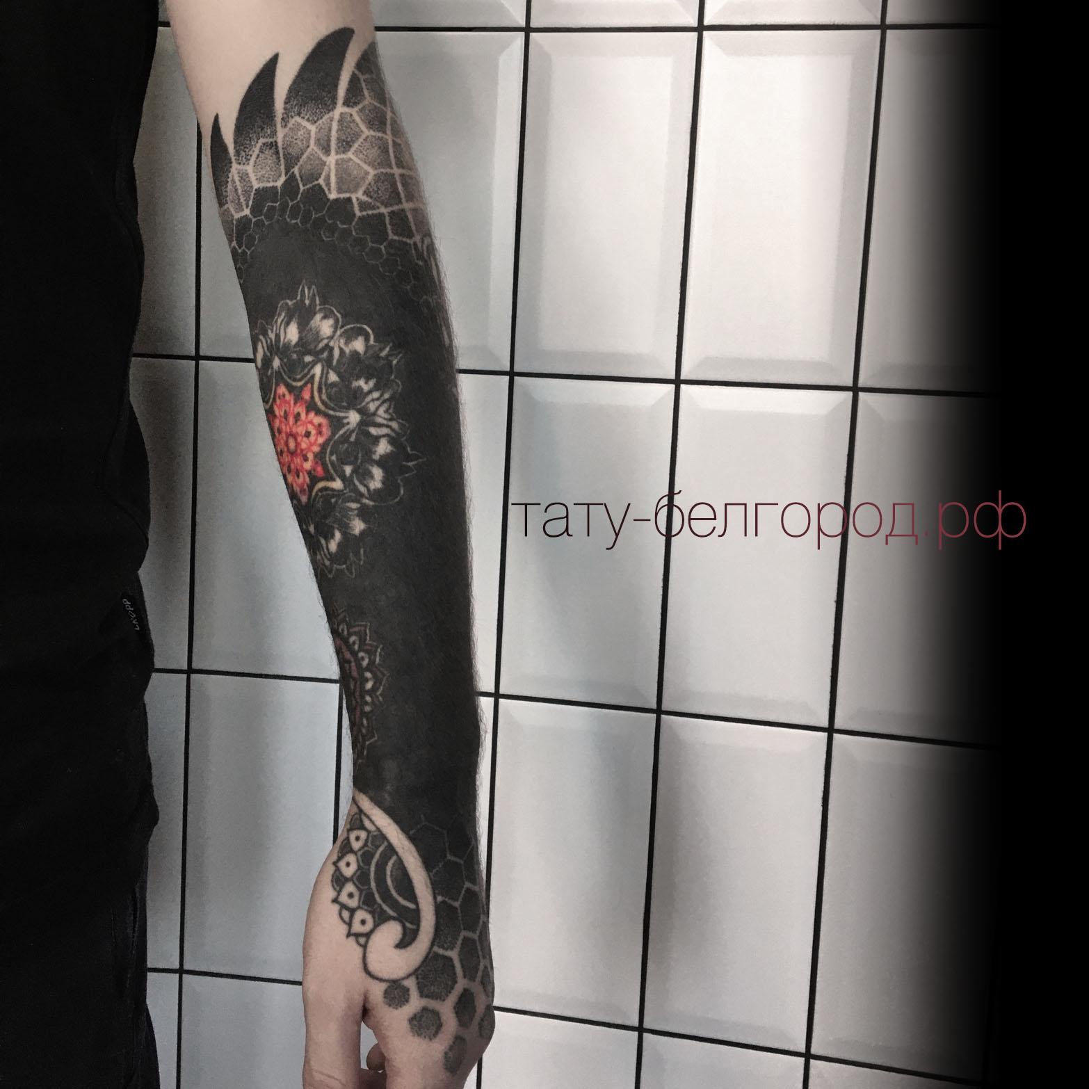 Фото татуировки, перекрытие блэкворком н