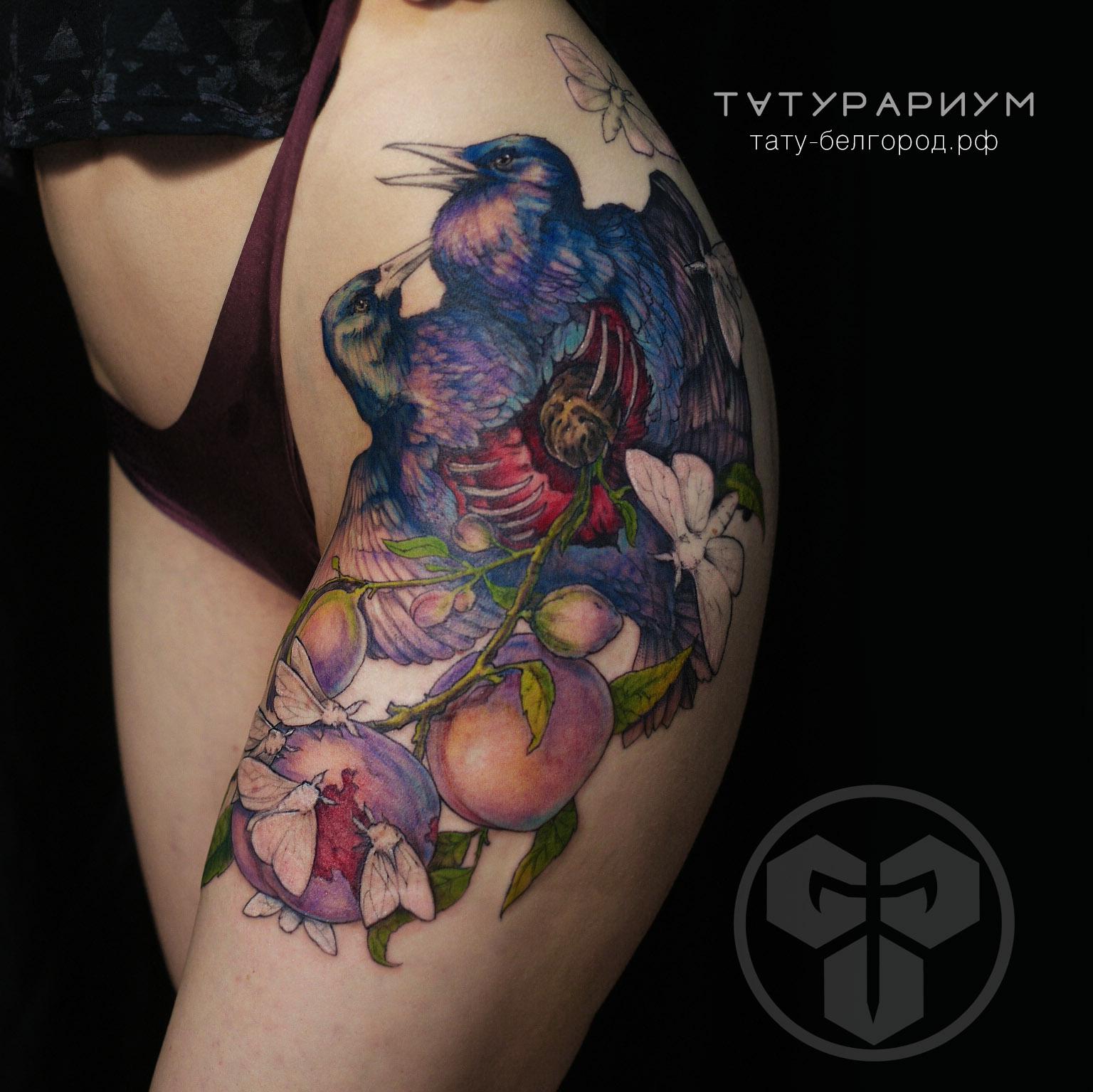 Фото татуировки, цветный бражники и воро