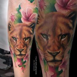 Фото татуировки реалистичная тигрица на