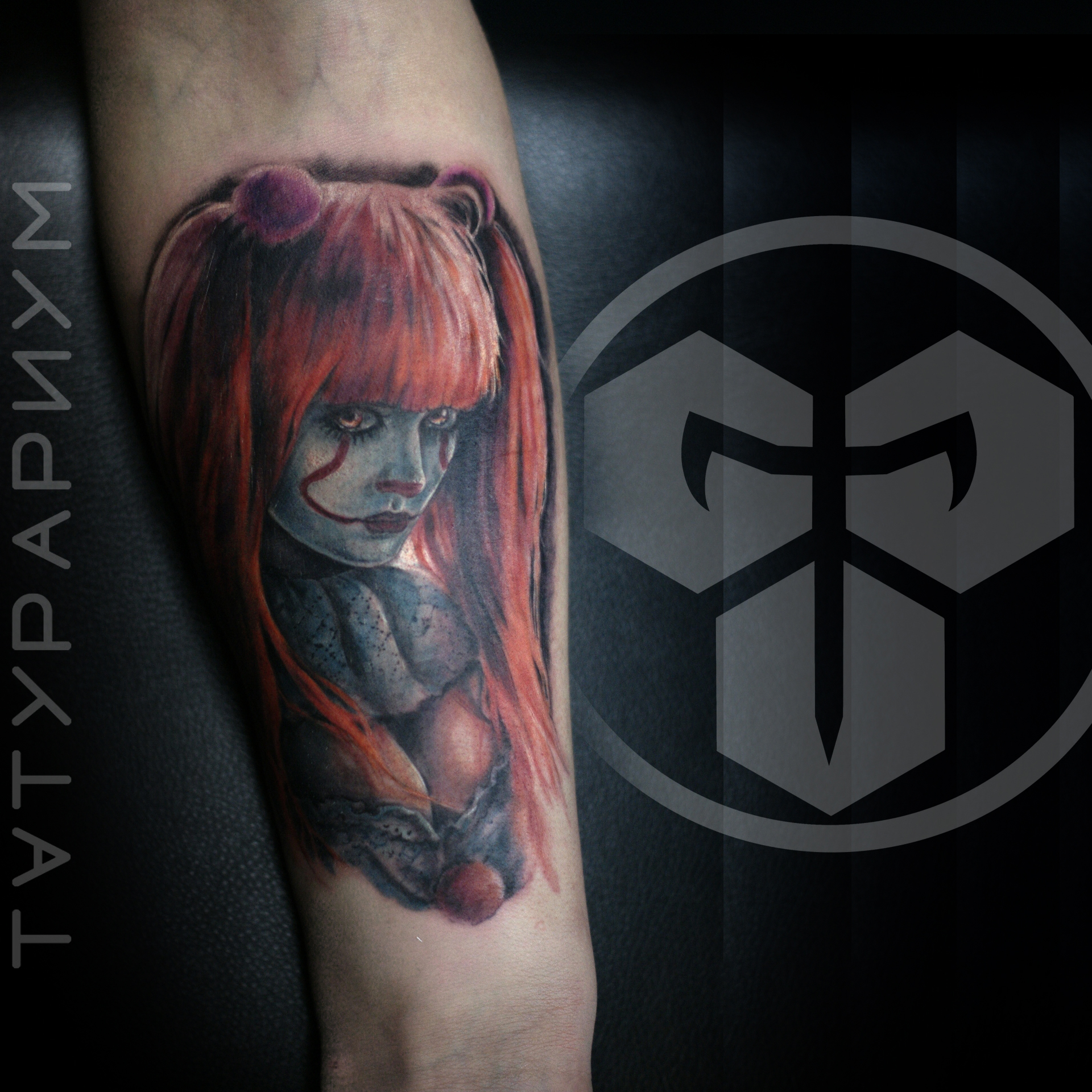 Фото татуировки, клоун пенивайз на руке