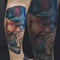 Фото татуировки, цветной реализм портрет