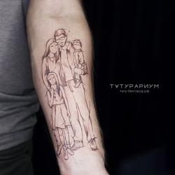 татуировка силуэт семьи, в стиле минимал