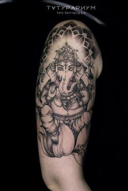 татуировка ганеши, в стиле графика, на п