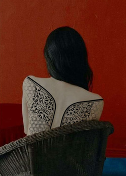Эскиз татуироки тату белгород, орнаменталная татуировка на спине у девушки.