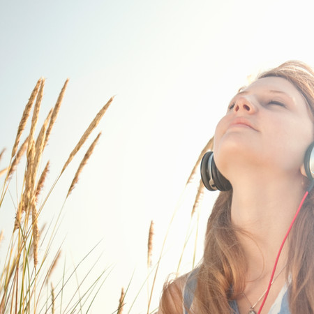 Daily habits to boost your mood, improve your day now!