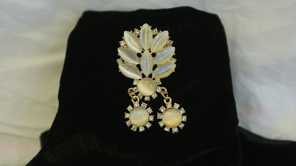 Diamante and ivory coloured beaded Brooch