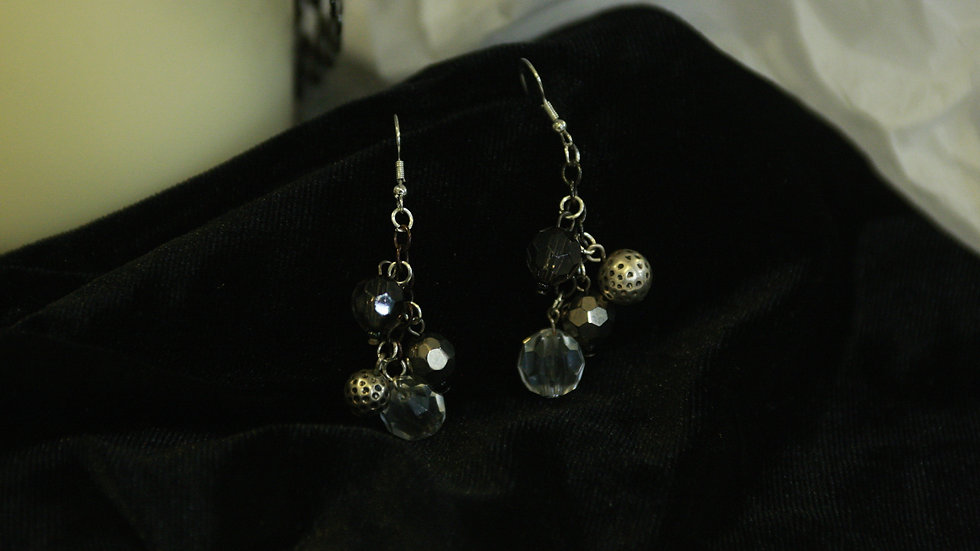 4 bead glass & metal