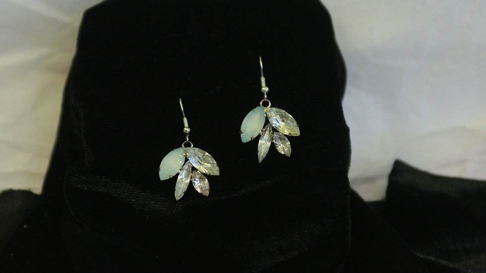 Faux crystal leaves