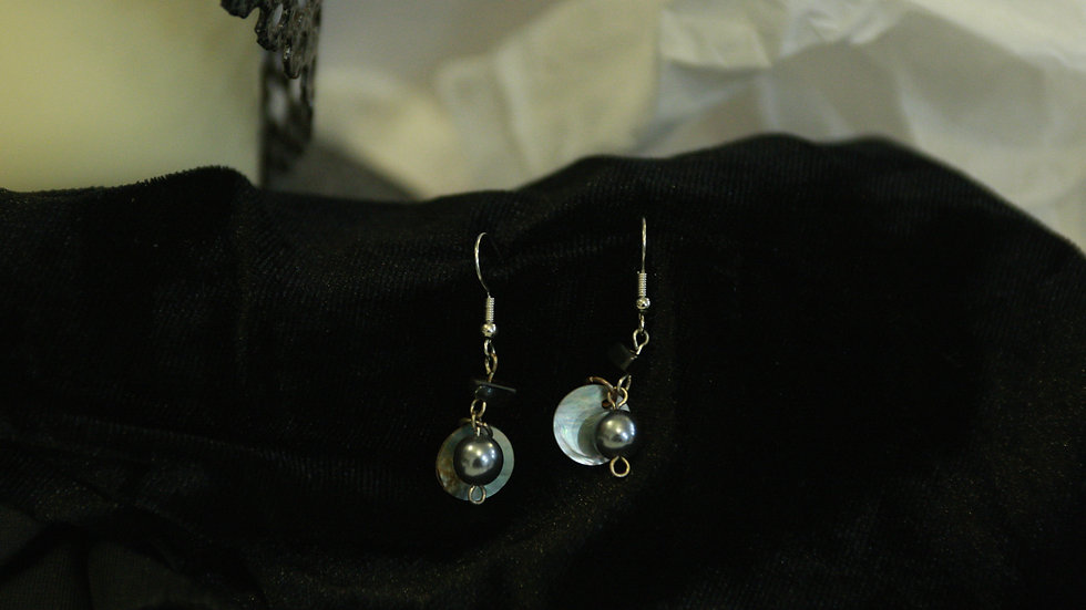 Black & Shell beads.
