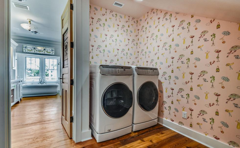 415+S+Point+Blvd+St.+Marys-50-web-Laundr