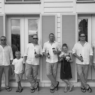 black and white bridal party carillon wedding photographer