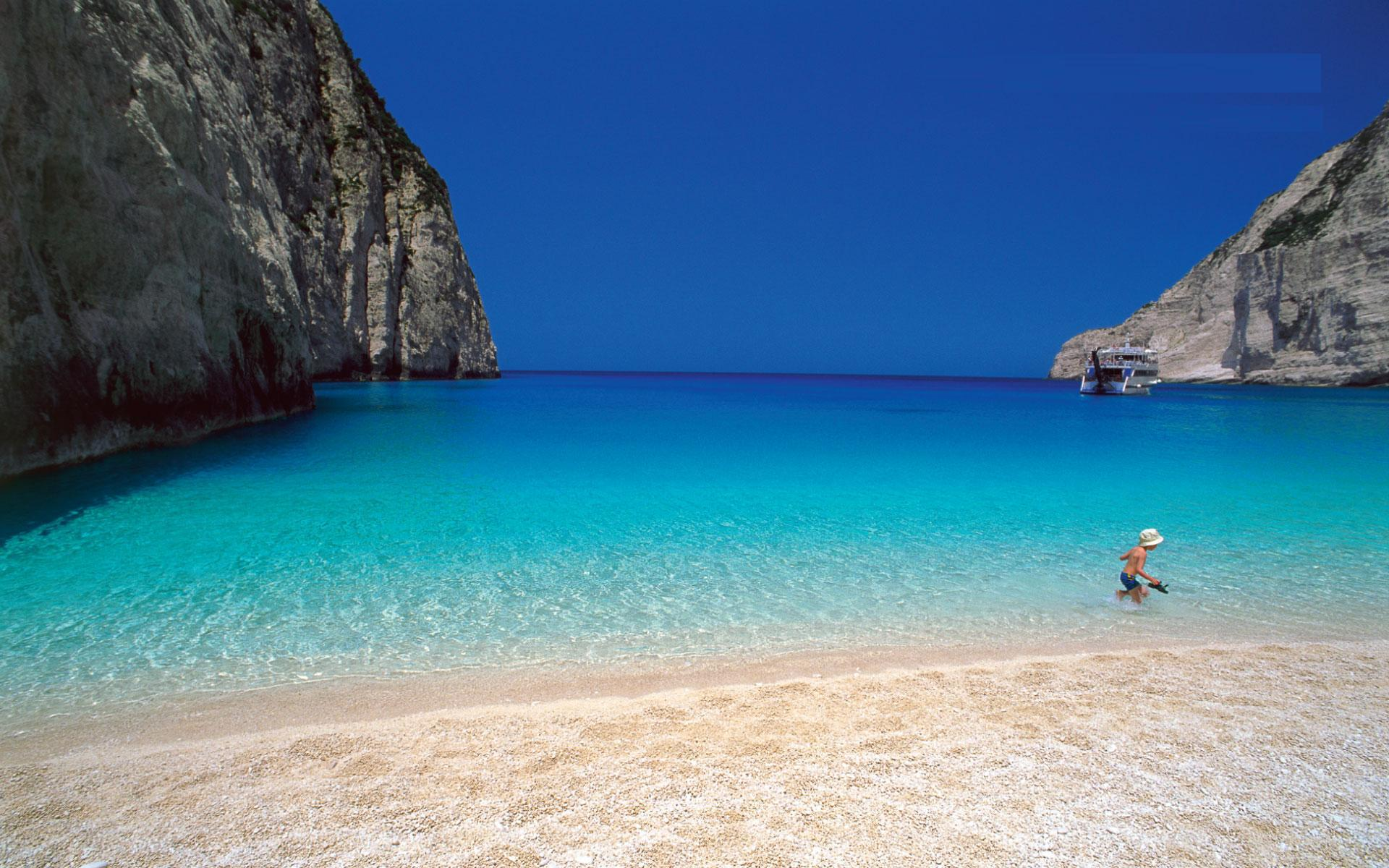 DISCOVER GREECE VIA RENTAPAD