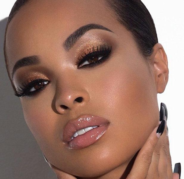Castor-Oil-Eyelashes-and-Eyebrows.jpg