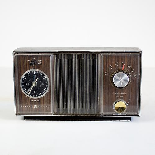 GE Solid State Clock Radio 1960s