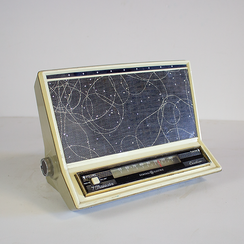GE 7 Transistor Radio Late 1950s