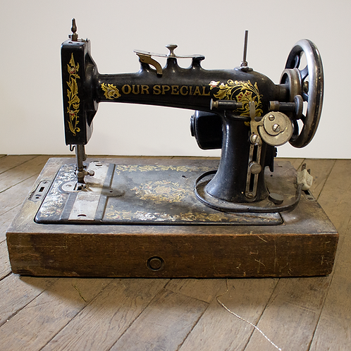 """Black Singer Sewing Machine """" Our Special"""""""