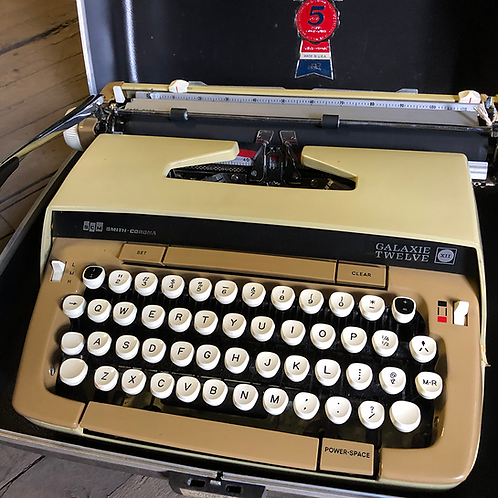 Beige Smith Corona Typewriter Galaxie Twelve